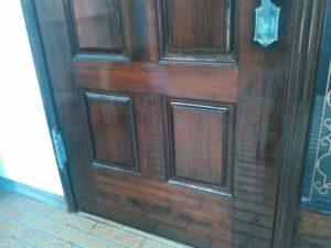 木製玄関ドア ニス